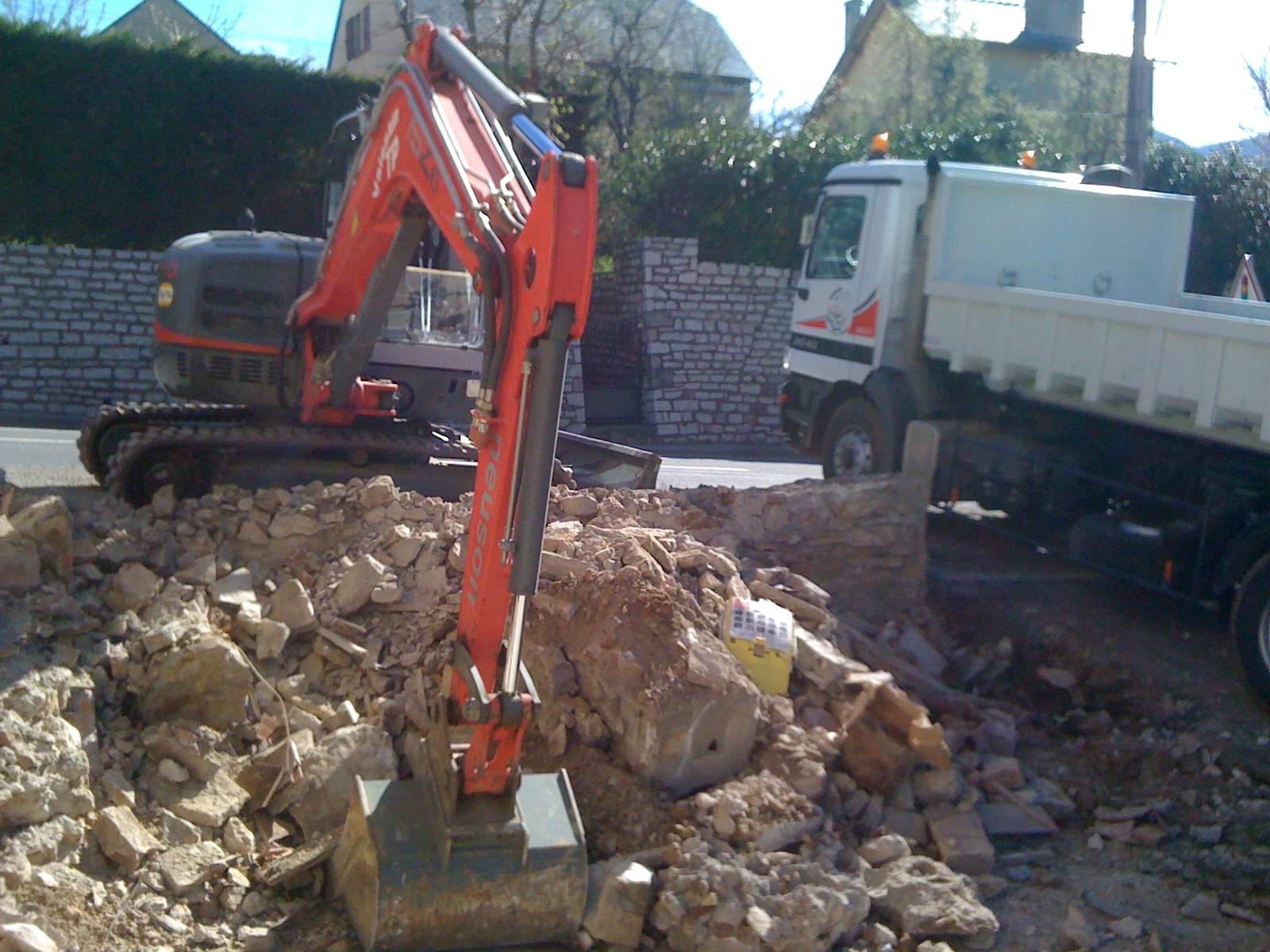 Travaux public pour les professionnel d molition terrassement valentin - Evacuation des gravats ...